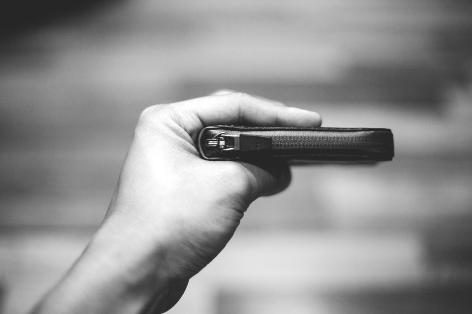 Bellroy Elements Product Review: Angus Sung.