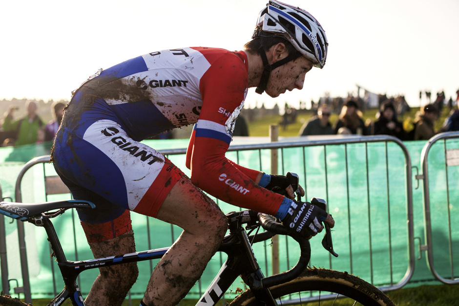 MUD & DOWN: Milton Keynes World Cup CX by Angus Sung